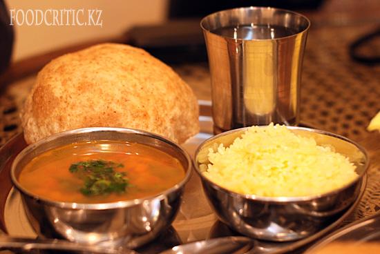 Мини-комплексный обед в алматинском ресторане Govinda's на Foodcritic.kz