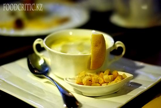 Чечевичный суп в ресторане Во-бла на Foodcritic.kz