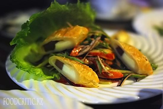 Салат в ресторане Во-бла на Foodcritic.kz